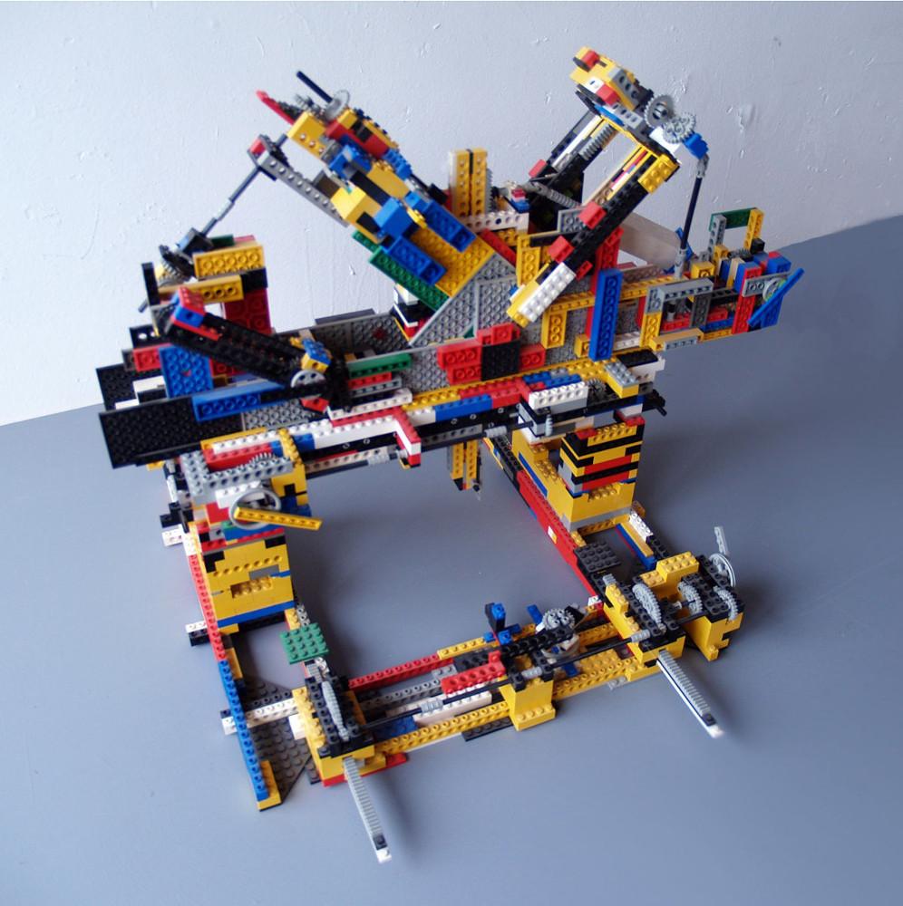 Crockery Systems - Lego Modelling Machine