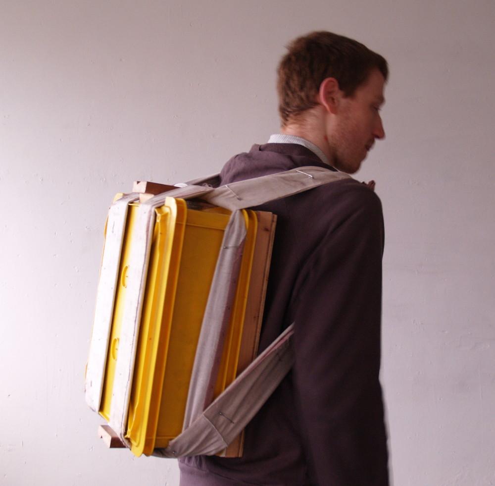 Crockery Systems - Backpack (wearing)
